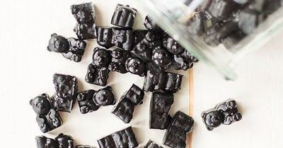 The stomach virus is contagious, but these activated charcoal gummies as a stomach flu remedy really work! All natural, safe for kids and easy to make!