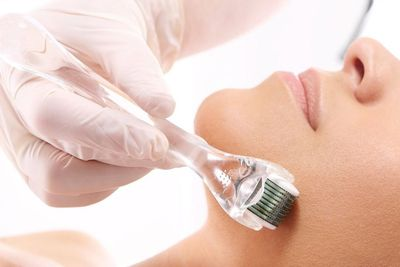 Microneedling benefits include treatments that can restore the flawless perfection of the skin of your face and all over the body. When combined with PRP therapy, microneedling provides a manifold solution to your skin issues.