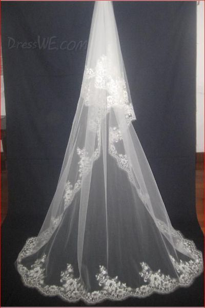 Beautiful 2-Layer Chapel Wedding Bridal Veil with Lace Applique Edge