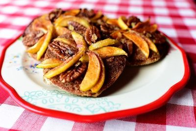 Apple-Pecan Mini Pies - fruit, nuts, whole wheat english muffins, butter, brown sugar, pecans, etc. easy, individual sweet snack or dessert. want! lj