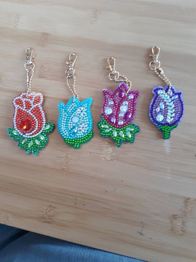 Springtime keychains- Flower Keyrings- Beaded Key Fob- Sparkling Trinket- Purse Accessories- Bookbag Charm- Shiny Gift Idea- Bag Pendant $8.00