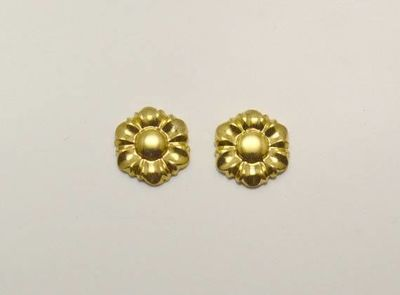 9 mm Daisy Flower Magnetic Clip or Pierced Earrings in Gold or Silver $25.00 Designed by LauraWilson.com