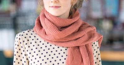 Twist of fate - Laura Reinbach Scarves 4; Quince & Co