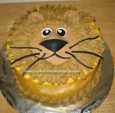 Well, I submitted another cake on this great website, so I decided to put up another one. I made this Lion Birthday Cake for my sister. She said she