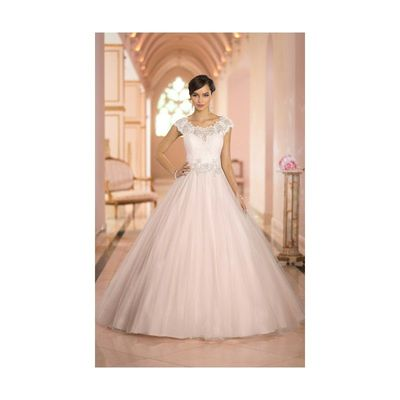 Exquisite A-line Straps Beading&Sequins Lace Chapel Train Tulle Wedding Dresses - Dressesular.com