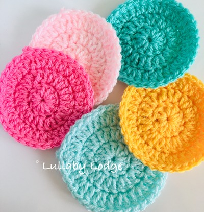 How to crochet flat circles, three different ways
