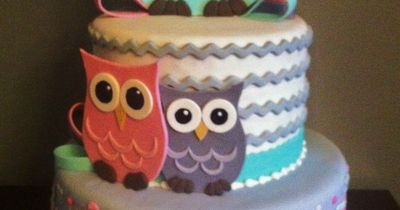 - Fondant cake with Gumpaste Owls and Bows.