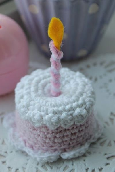 Crocheted Mini Birthday Cake with Candle FREE Crochet Patt