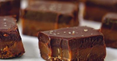 Trillionaire's Shortbread Bars: a triple chocolate version of the classic!