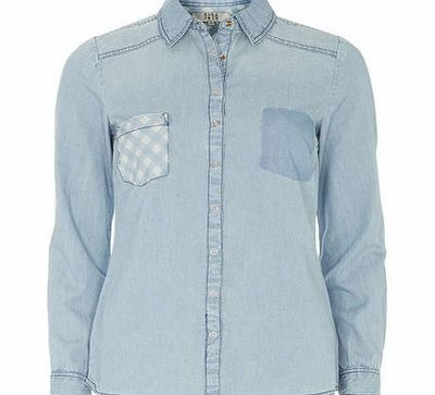 Dorothy Perkins Womens Gingham Pocket Denim Shirt- Blue DP12301841 Lola Skye: Pale blue denim shirt with gingham pocket detail and button front. Length Approx 64cm 100% Cotton. Machine washable. http://www.comparestoreprices.co.uk/ladies-fashion-tops/...