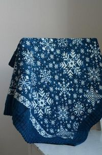 Vognteppet Snøfnugg by osloann, via Flickr; stunning pattern, also in English.