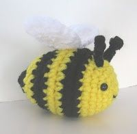 CROCHET N PLAY DESIGNS: Free Crochet Pattern: Buzzy Bee - Wonderful patterns for toys and such on this site.