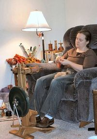 """This is a great blog on spinning by Abby Franquemont who wrote """"Respect the Spindle"""" a wonderful book. This links to a """"getting started"""" post filled with more links to helpful info. Go, Abby! You Rock!"""