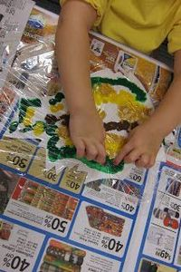 another Mess Free Fall Leaf Painting Idea (from Mrs. Karen's Preschool Ideas)
