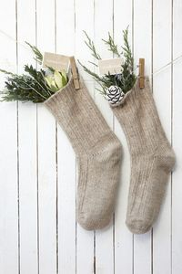 christmas idea for coat hooks using felted mittens