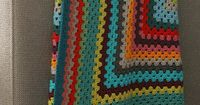 Rectangular granny blanket, free pattern by Lisette in Dutch.and English.