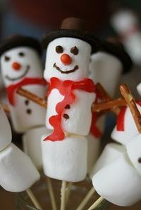 Christmas Food and Goodies #snowman #marshmallows https://www.youtube.com/watch?v=xLJ2uAyr49M
