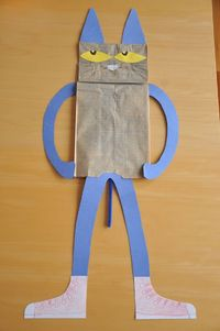 Pete the Cat puppets!