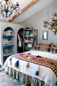The decor is simply as carefully curated. Moroccan decor is both timeless, exotic, and most of all comfortable decor full of energetic rich colours and metallic