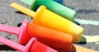 What to do with that box of sidewalk chalk? Oh, so many fun ideas for toddlers and preschoolers. And they involve several of our 5 senses, indoors and out!