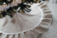 I like the look of this tree skirt but I think I'll modify the directions.