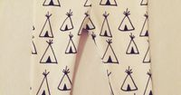 Organic cotton teepee baby leggings.