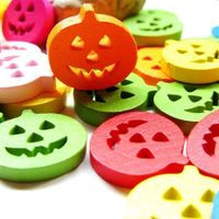 Pack of 50 Assorted Colours Wooden Pumpkins. 17mm Flat Halloween Buttons £7.99