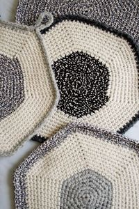 Whit's Knits: Crocheted Set-of-Three Pot Holders - The Purl Bee
