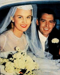 Wedding-in-the-1950s-newlywed-couple