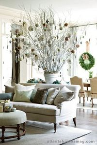 atlanta homes mag--I absolutely love this alternative Christmas tree! I think this is what I will do when both my boys go off on their own.