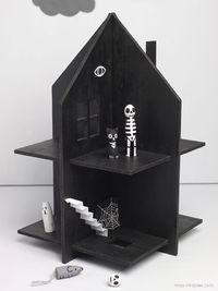 Haunted Dolls House / free templates for cardboard or plywood, extra accessaries & tips for making peg dolls.