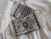 A hand to hold (Randi K) Rogaland half mittens