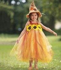 sweet scarecrow girls costume - Only at Chasing Fireflies - The whole idea is to scare crows away. Like that's going to happen when you look this sweet!