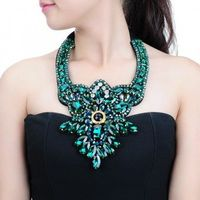 Fashion Charm Luxury Jewelry Shiny Crystal Glass Resin Collar Cluster Necklace