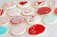 How to decorate a simple circle cookie