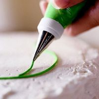 Cake Decorating Basics - lots of info! Always wanted to learn how to decorate cakes!