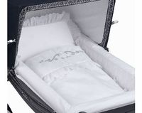 Silver Cross Kensington Bedding Set No description http://www.comparestoreprices.co.uk//silver-cross-kensington-bedding-set.asp