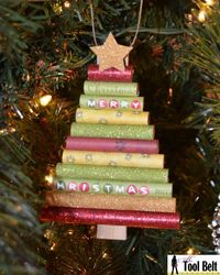Homemade Christmas Ornaments: Easy rolled paper Christmas tree ornament tutorial