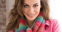 Easy Tropical Cowl Free Crochet Pattern from Red Heart Yarns