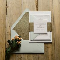 jupiter and juno glitter invitations #weddinginvitations #glitteryinvitations #goldwedding http://www.jupiterandjunoshop.com/collections/exclusive-package-discounts/products/kristin-suite-glitter-package-1