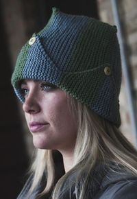 Wedgie Hat - it's funny but this wedgie looks great on her. #freepattern #knitting