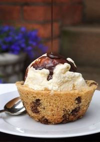 Chocolate chip cookie bowl. Cannot wait to make!
