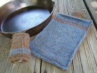 Use stash yarns to create a sturdy heat-resistant wool mitt and panhandle cover for camping. This thrifty set makes a perfect gift for Father's Day or the guys