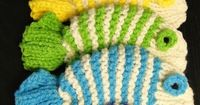 VFish dish wash cloths #free pattern http://www.ravelry.com/patterns/library/wishy-washy-fishy-tawashi