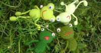 Happy Frog by Suzielah Rahmad - FREE CROCHET PATTERN