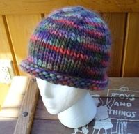 roll brim knit hat by Laurie Perry, free