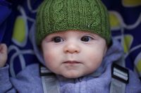 cable baby hat, free knitting pattern by pamela w allen, project by lrcurtis