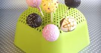You can have your cake and eat it, too. Use a colander to help dry cake balls before devouring! #LifeHack