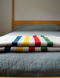 http://www.purlbee.com/2011/11/23/whits-knits-hudsons-bay-inspired-crib-blanket/
