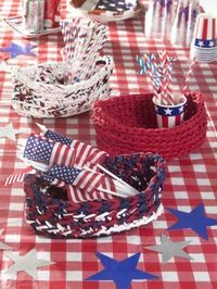 Free Patriotic Crochet Pattern: Picnic Table Baskets--to add your personal touch to your celebration .